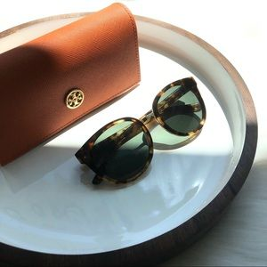 TORY BURCH - Tortoise Sunglasses NWT